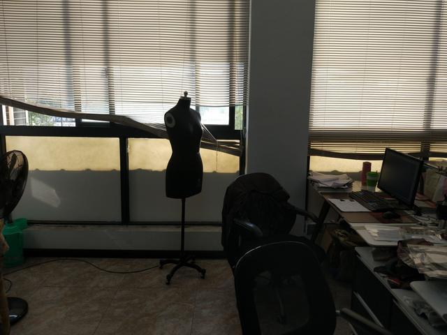 一个品牌服装厂里,衣服生产的全部流程