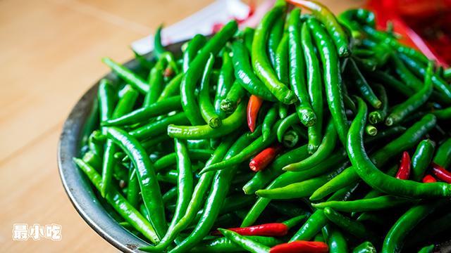 平顶山小路里的美食——烧椒面,一种你从未尝试过的辣插图1