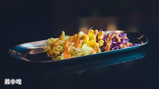 平顶山小路里的美食——跨界小哥的风格炸串,吃起来究竟是哪样?插图30