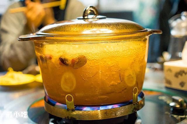 平顶山这家火锅不必辣椒,用椰汁,竟然能够很好吃!插图9