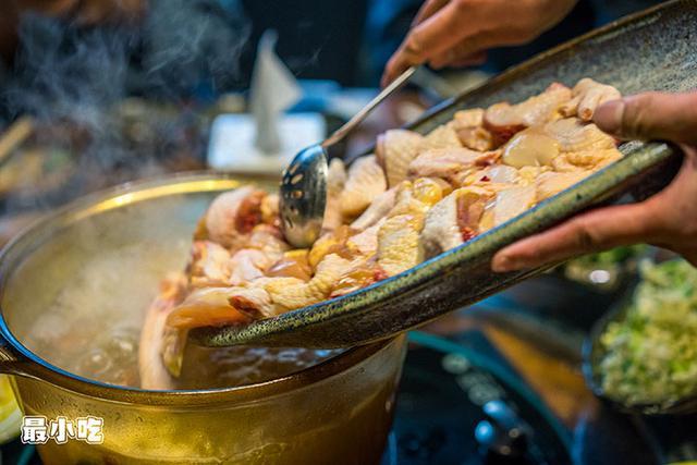 平顶山这家火锅不必辣椒,用椰汁,竟然能够很好吃!插图8