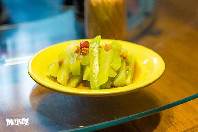 平顶山这家火锅不必辣椒,用椰汁,竟然能够很好吃!插图3