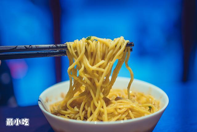 饿了吗?平顶山这家火辣的川味小吃,相对刺激你的味蕾,撸串走起插图8