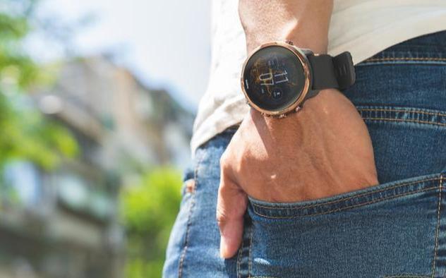 頌拓Suunto7智能手表開箱分享,簡約與滿足日常的Wear OS系統