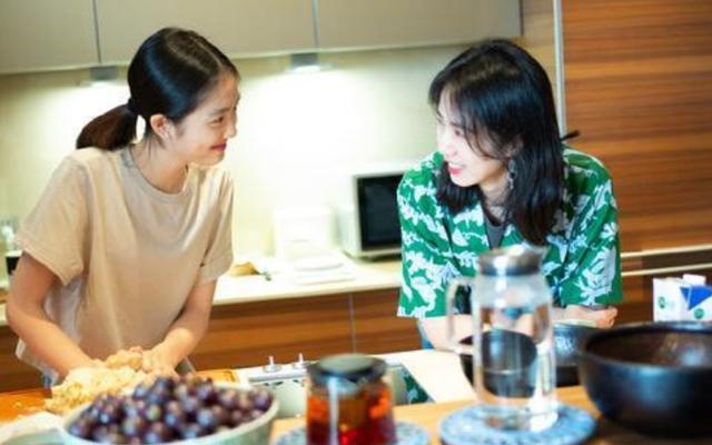 黄磊妻女与胡歌共拍视频,黄多多亲自下厨做饭,胡歌大赞很专业【www.smxdc.net】 全球新闻风头榜 第1张