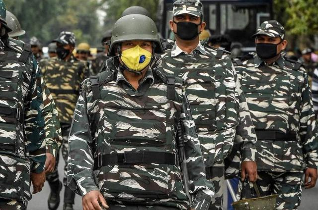 莫迪笑不出来了!印度军队近2万人感染新冠,专家:麻烦还在后面-第1张