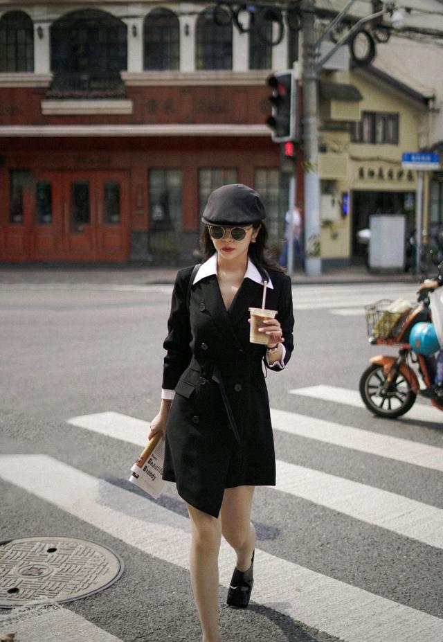 初秋怎么穿才精致?黑色西装裙配白色衬衫,干练又不乏时尚感-第9张