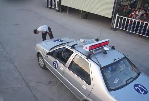 驾考新规让难度提升,想要科三不挂科,记住这几个技巧插图(2)