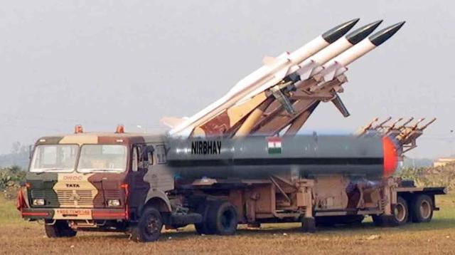 """嚣张!印度砸230亿买军火,还频频""""秀""""导弹,外强中干别演戏了-第3张"""