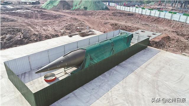 """64吨""""东风快递""""送达,退役东风-3导弹安家达州神剑园"""