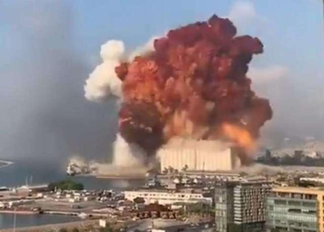 """大爆炸后,黎巴嫩爆发大规模示威,""""剧本""""太熟悉,下一个利比亚?"""