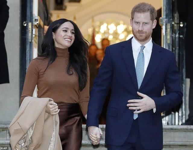 """""""私隐女王""""梅根和哈里紧跟女王生日热点,爆出阿奇和君主的通话_加拿大28信誉群"""