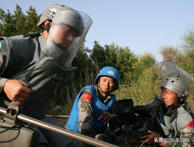 危险,是担当!《蓝色防线》总导演尚昌仪谈军事纪录片摄制的危险性-第6张