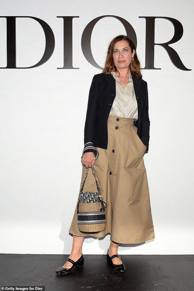 LV少奶婚后首秀Dior巴黎春夏,孟美岐云上看秀穿出一身清流-第22张