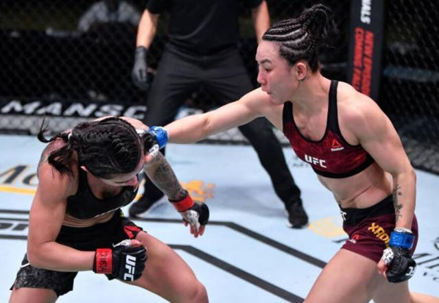 闫晓楠豪取UFC六连胜,随时准备好挑战张伟丽 全球新闻风头榜 第3张