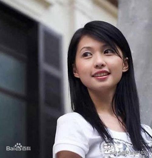 """中国民间第一""""白手女神""""蒋菲——两年从失业一举赚到3500万"""
