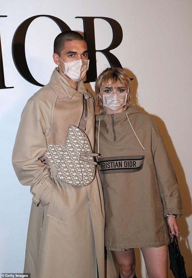 LV少奶婚后首秀Dior巴黎春夏,孟美岐云上看秀穿出一身清流-第13张