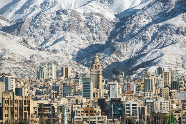 伊朗正式用人民币取代美元,宣布替换国家新货币后,事情又有进展