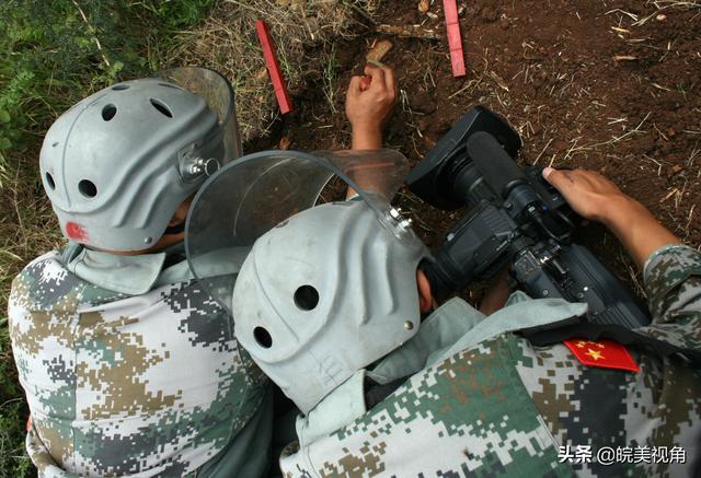 危险,是担当!《蓝色防线》总导演尚昌仪谈军事纪录片摄制的危险性-第7张
