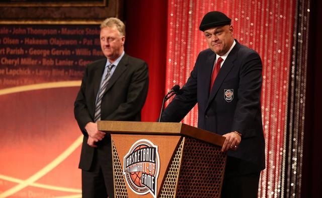 你知道谁是NBA之外的篮球第一人吗?-第7张