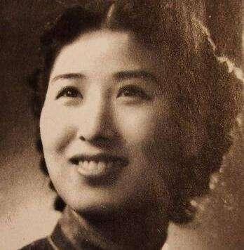 她是上海滩女流氓,结过四次婚,最后相伴一生的男人,家喻户晓