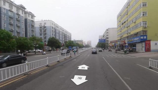 @鹰城司机!平顶山市989病院门口新增不谦逊行人抓拍插图1