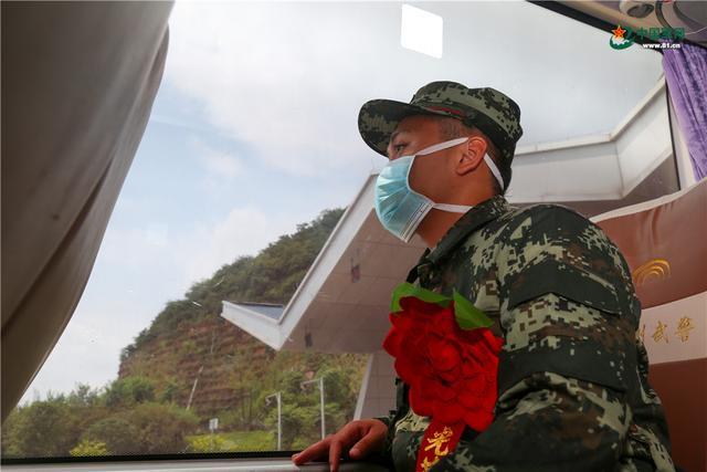 开启军旅生涯新篇章,武警广西总队柳州支队这样欢迎新兵入营-第7张