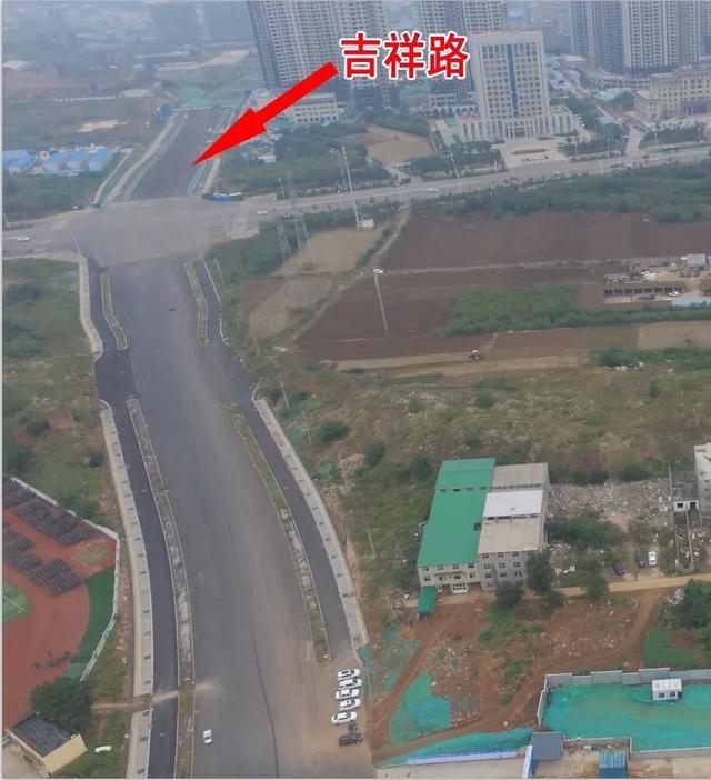 快看!新城区这条路在铺设沥青,即将通车插图1