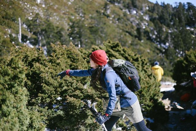 教你如何挑選適合的背包,推薦幾款很多人用的登山沖頂包