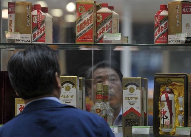 """白酒旺季遭遇""""同价不同命"""":茅台接近3000,郎酒倒挂促销"""