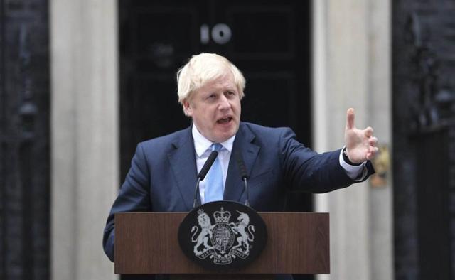 """英国疫情失控,30万人上演""""伦敦大逃离"""",中方手持一张""""王牌""""插图5"""