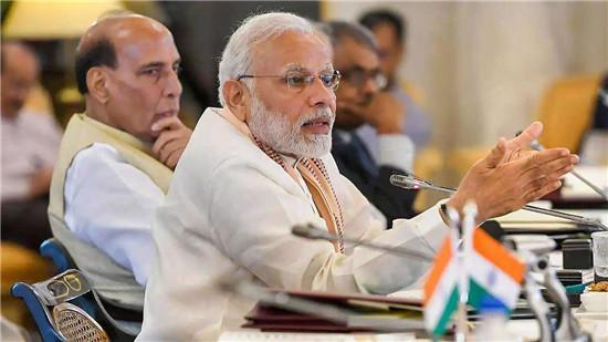 莫迪被损了!反对党喊话印度民众:学会自救吧,总理正忙着喂孔雀-第4张