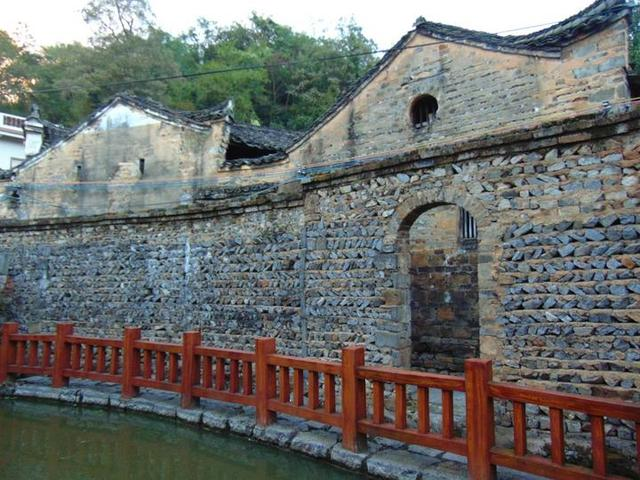 桂林灌阳县这个古村落,竟有现代城市都比不上的排水系统,很先进