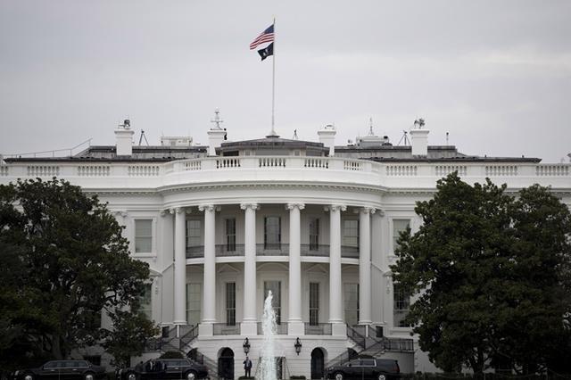 """白宫内部邮件要求""""避免不必要地造访白宫西翼""""【www.smxdc.net】 全球新闻风头榜 第1张"""