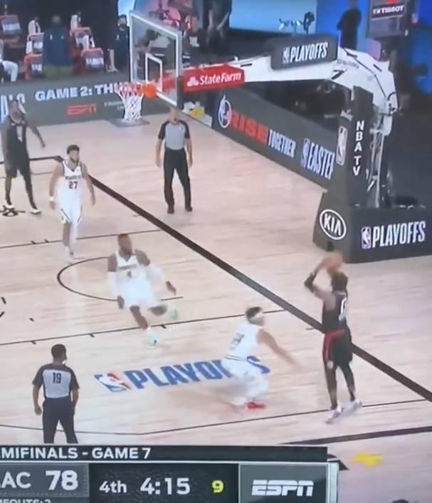 利拉德评乔治底角三分打到篮板上沿:挺好的投篮-第1张