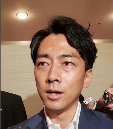 日本首相指名选举:小泉进次郎意外获得一票 现场一阵哄笑-第1张