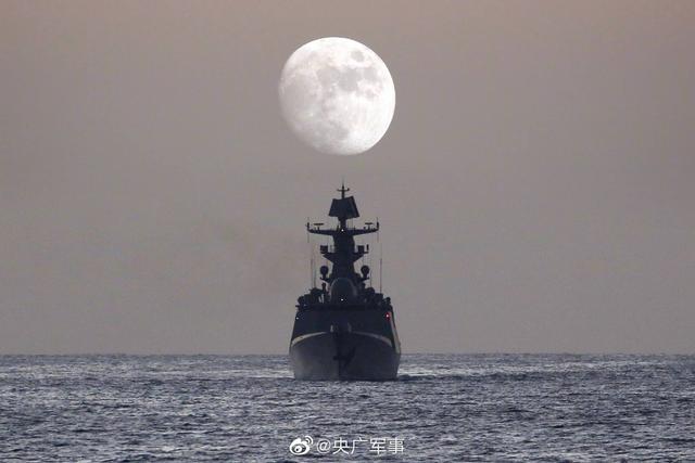 天涯共此时!亚丁湾护航官兵镜头下的月亮,太美了【www.smxdc.net】 全球新闻风头榜 第8张