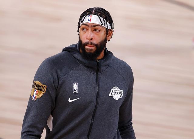 美记:多数NBA高管相信 戴维斯会选择与湖人签两年合同