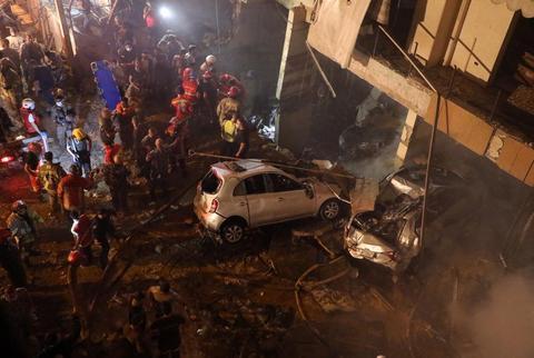外媒:贝鲁特人口密集区发生爆炸,已致4死多伤