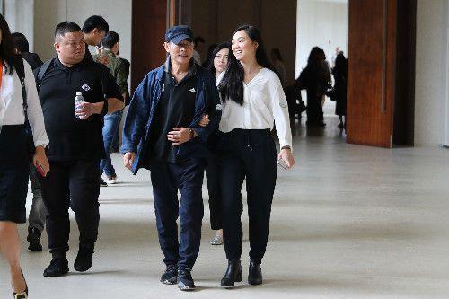 李连杰与女儿现身三亚 被嘲颜值不如妈妈利智 全球新闻风头榜 第2张