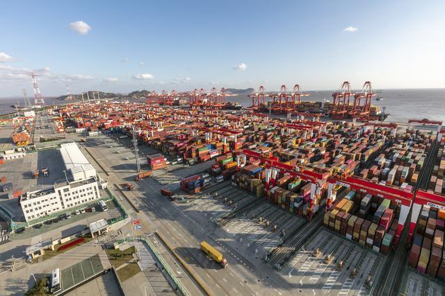 新加坡学者:中国经济表现亮眼助力全球经济复苏