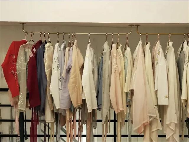 """外国女人都""""上头""""的汉服,学会穿法和搭配是关键,成为古装女神-第5张"""