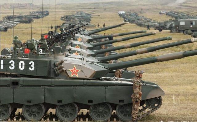 国产99坦克入役俄罗斯了?俄高调庆祝坦克兵节,海报闹出大乌龙-第4张