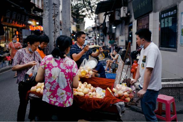 中国无明显通胀或通缩风险,CPI涨幅今年首降2%以下
