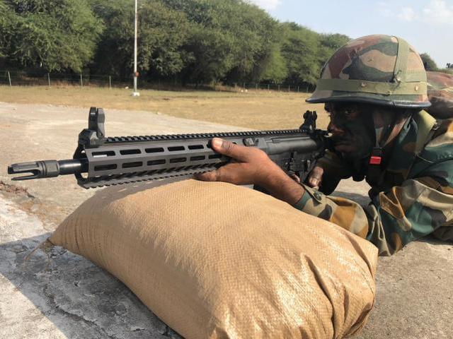 印军步枪不够用,自造工作停滞,又耗资1亿美金从美买7.2万支枪