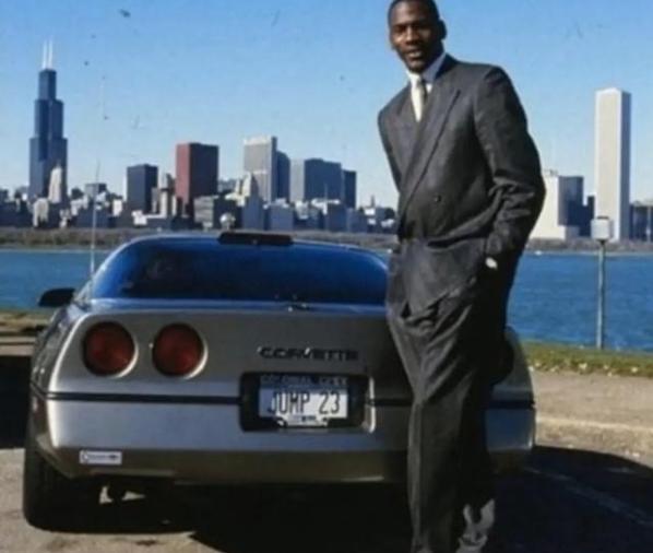 """23美元就卖?乔丹拍卖爱车奔驰S600!盘点""""篮球之神""""的豪车座驾"""