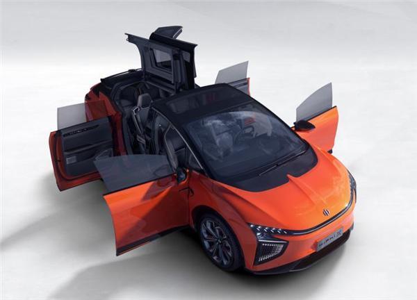 首款国产超跑SUV:年底量产配鸥翼门,3.9秒破百,续航610公里