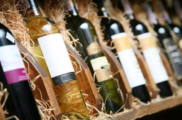 红酒商网教你3招如何挑选进口红酒?