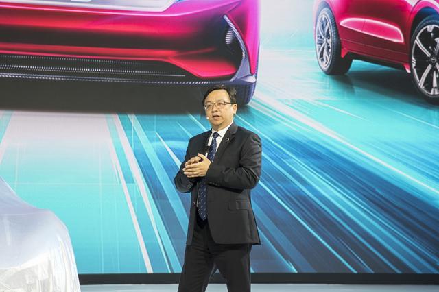 比亚迪王传福:确定电动车战略后就遇到了困难,今年下半年才好转