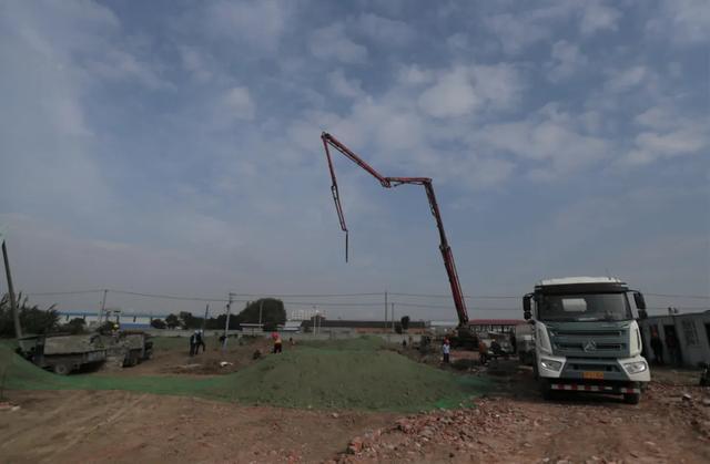 卢林到海安市城东镇中心卫生院调研发热门诊建设